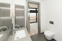 7_masterbathroom